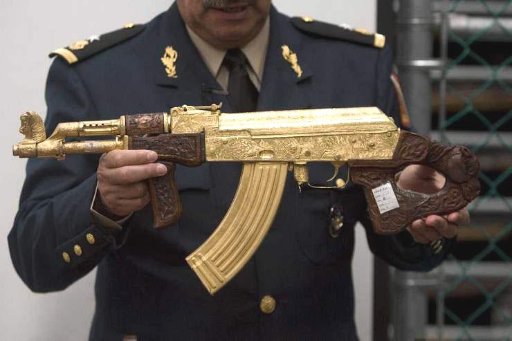 Mexican Drug Gang Guns