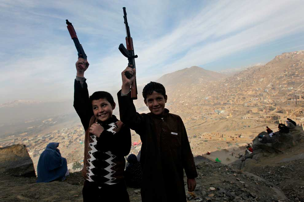 Afghanistan-Boys-Toy-Guns