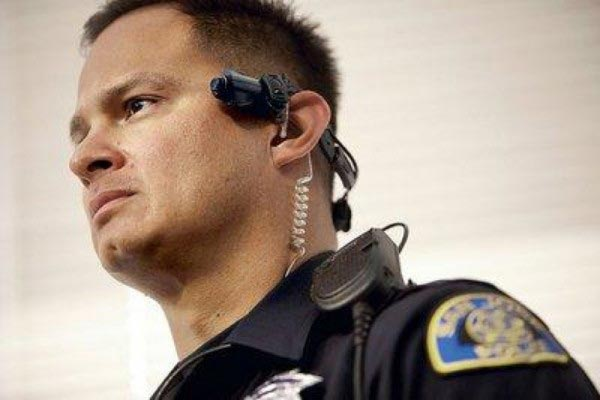 Taser-Axon-Head-Mounted-Camera-Police