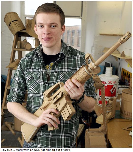 Cardboard-M4-M16-AK47-Troll