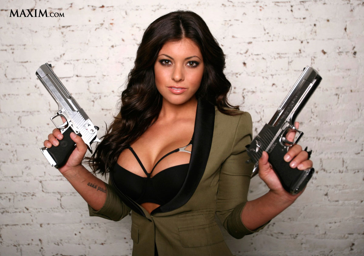 Michelle-Viscusi-Team-Glock-Maxim-Double-Deagle