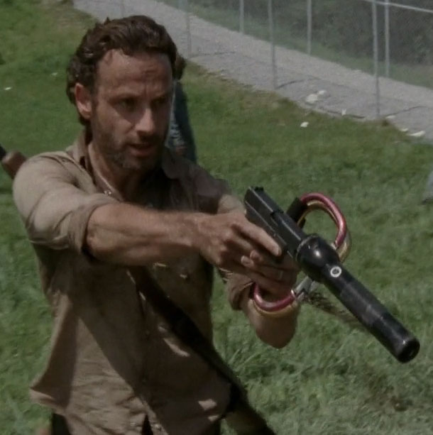 The-Walking-Dead-Zombies-Maglite-Flashlight-Handgun-Silencer-Suppressor