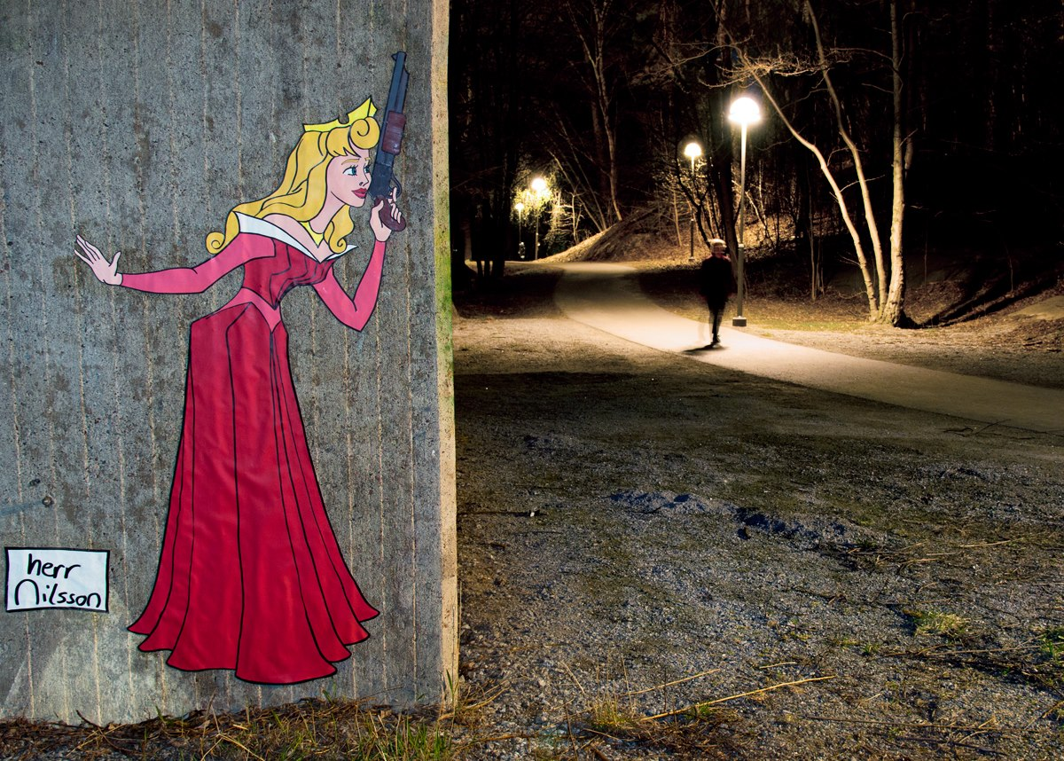 Disney-Princess-Guns-Street-Art-Herr-Nilsson-1