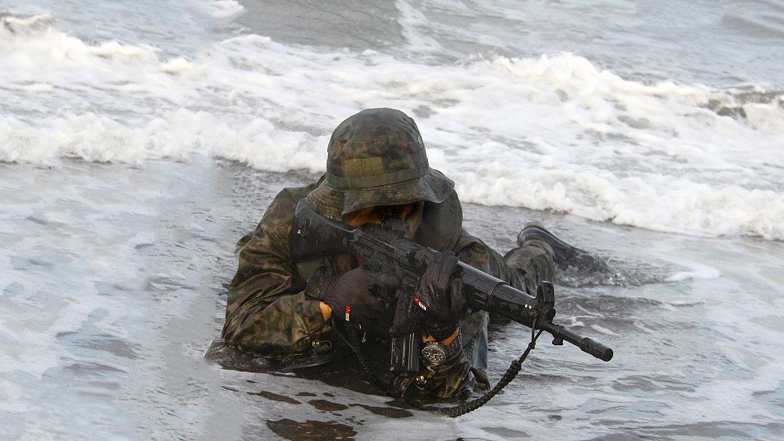 Tactical-Rubber-Guns-2
