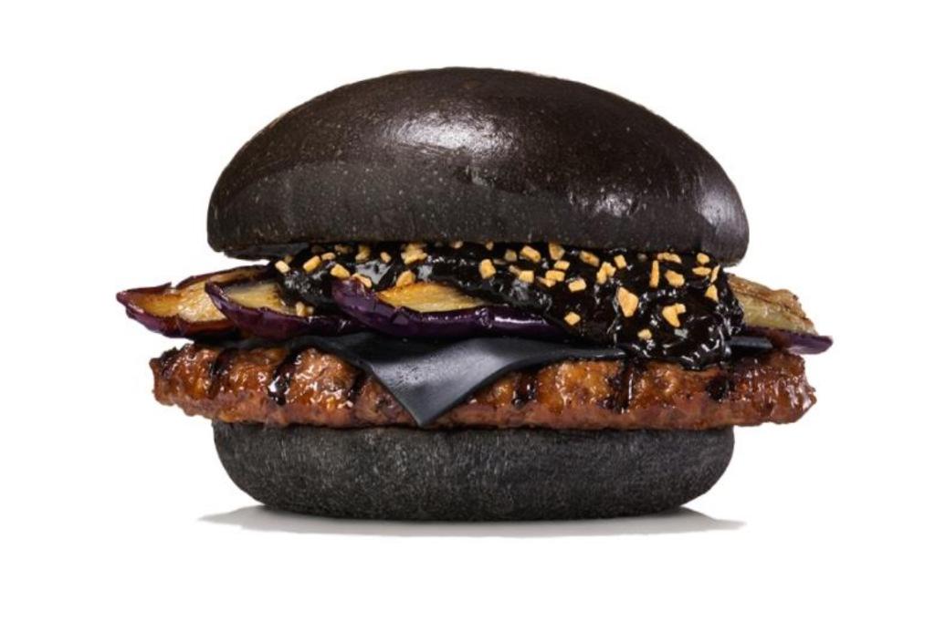 Burger-King-Black-Bun-Halloween