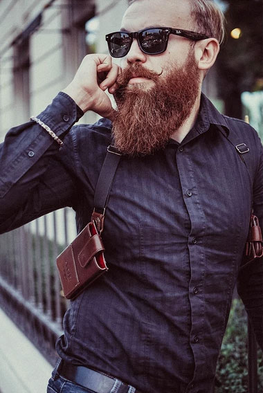 hipster-phonster-phone-holster-2