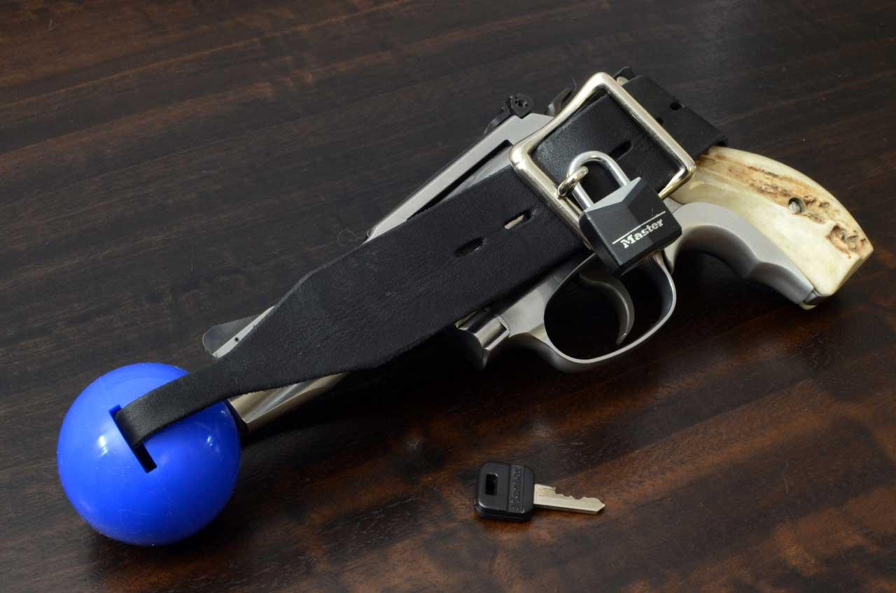 Gun-Fetish-4